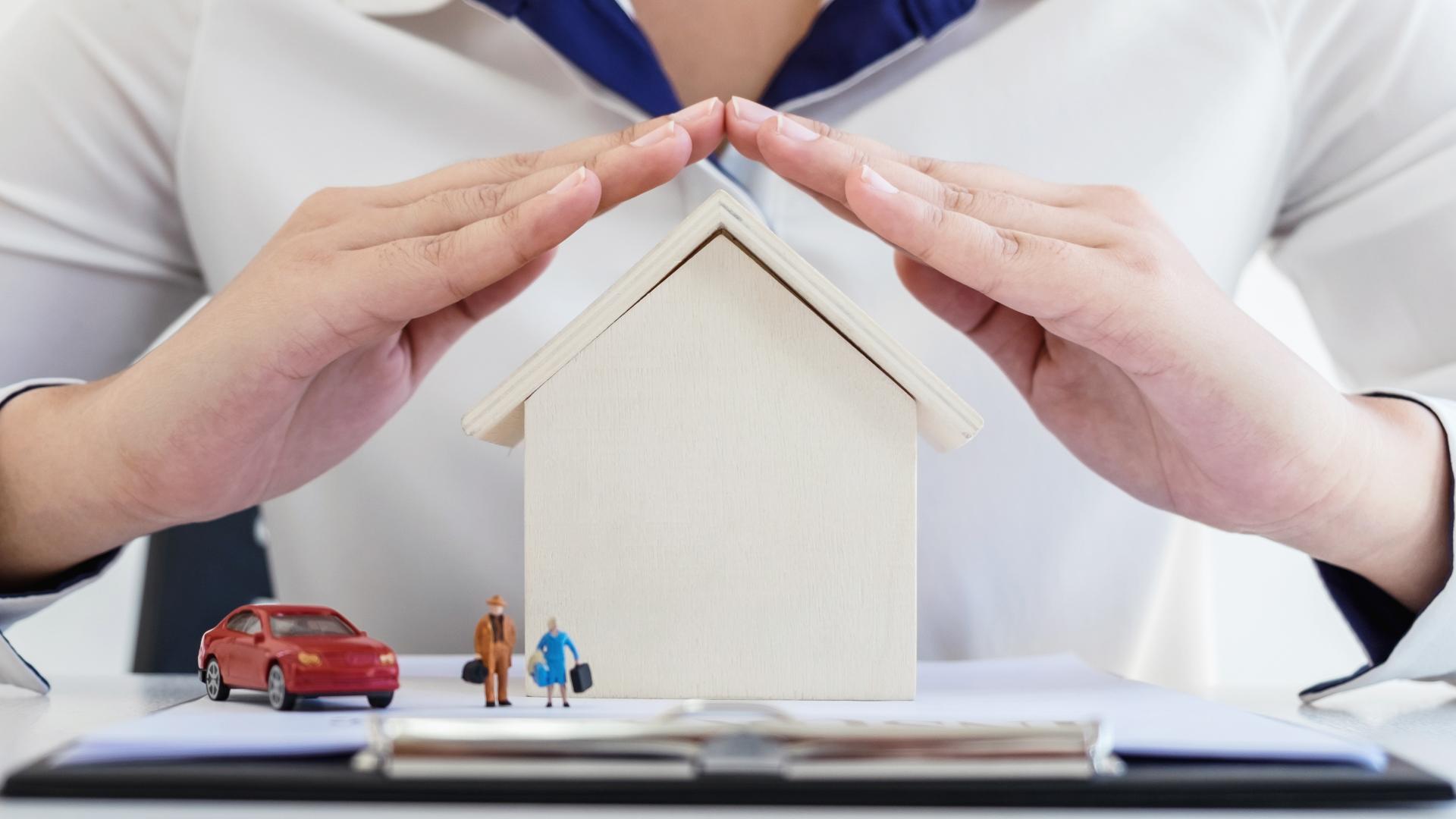 Ezeket érdemes tudni a tetőbiztosításról