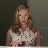 Tara alteregói: visszatér a személyiségzavaros háziasszony