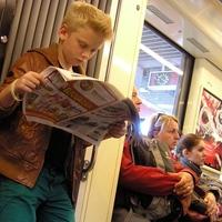 olvasó ifjú