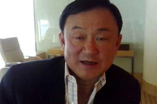 Thaksin a kertek alatt