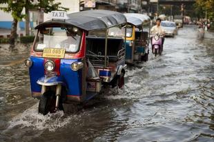 Bangkok árvízben: Megint 48 óra