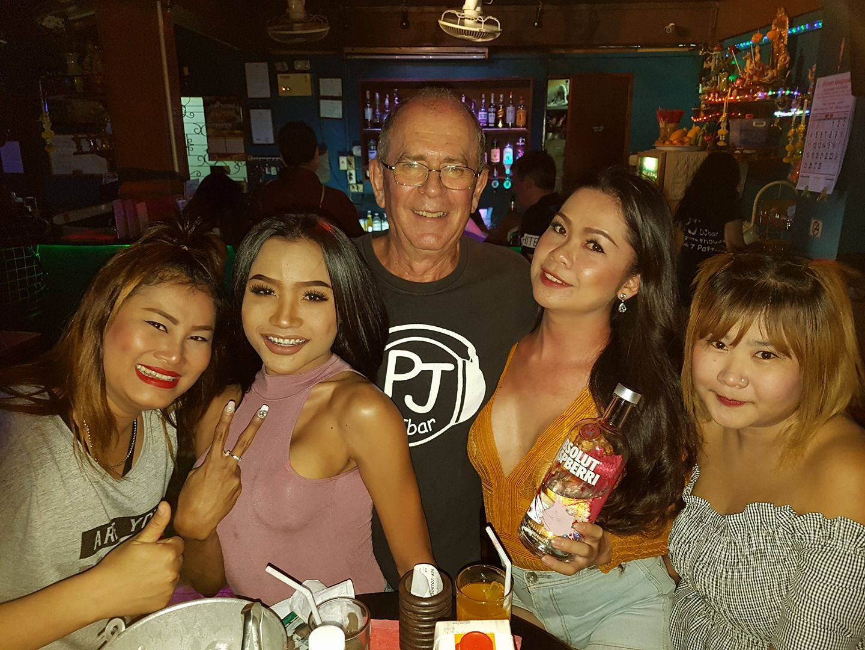 bargirl_farang6.jpg