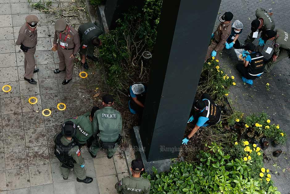 chong_nonsi_bomb_police_bangkokpost.jpg