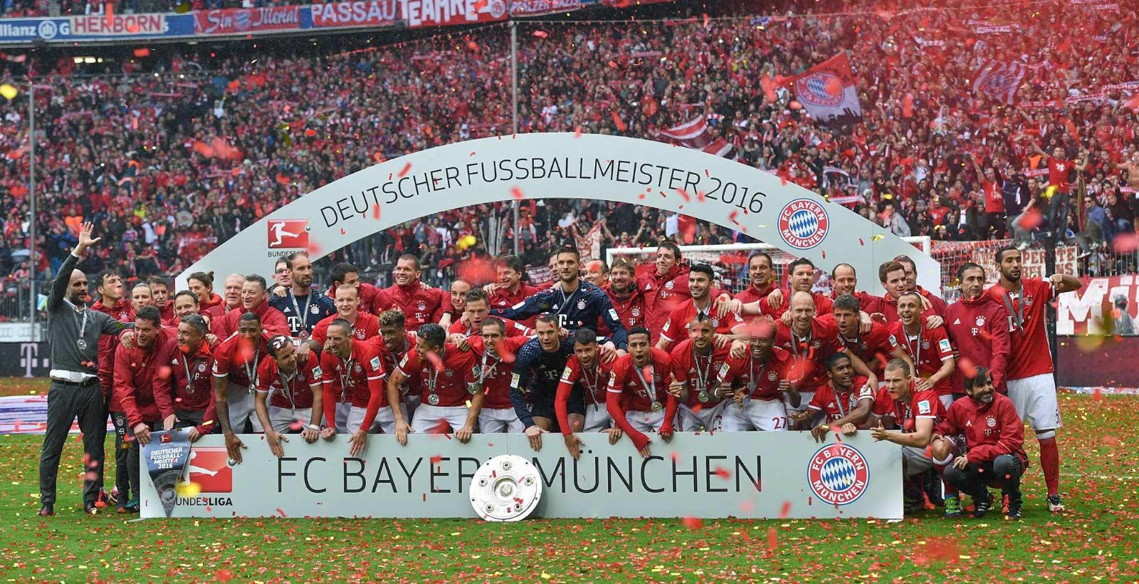 on-pitch-bayern-munich-16-17-home-kit_1.jpg
