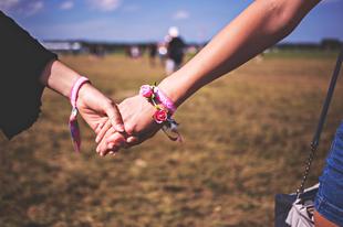 Kapcsolatok szavatossági idővel