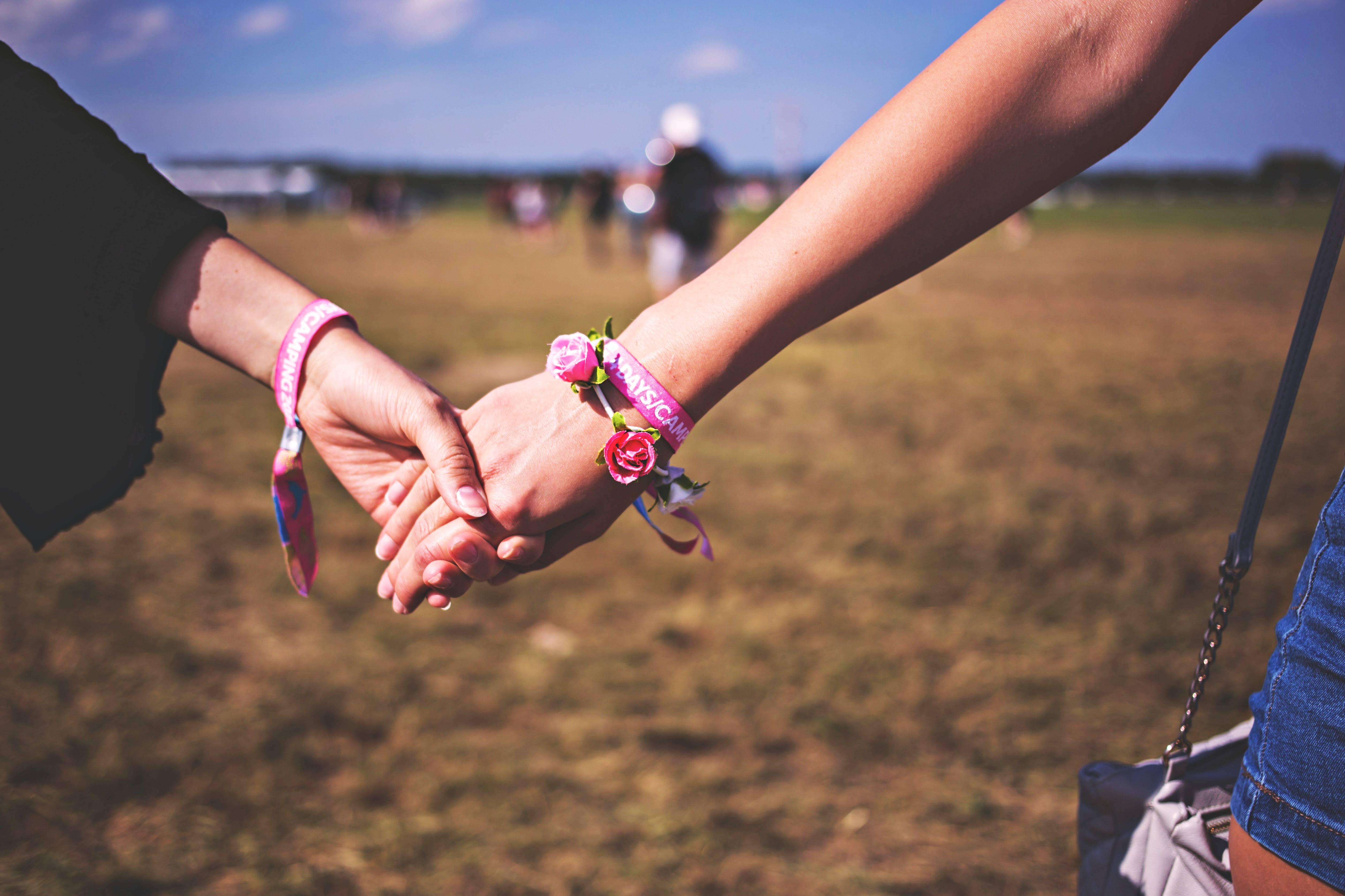 friends-friendship-hand-118033b.jpg