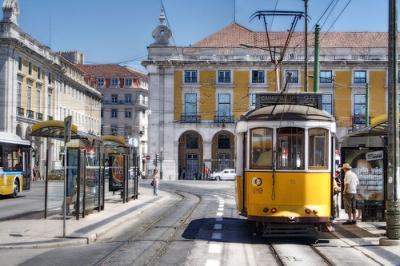 lisbon_tram.jpg