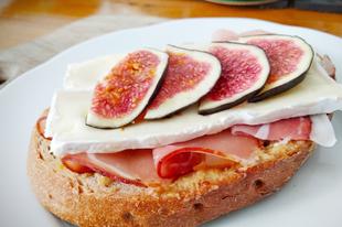 Hétköznapi luxus- fügés szendvics