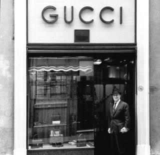 A vállalat 1952-ben az Egyesült Államokat vette célba. A két Gucci fiú d88e8adb7f