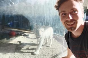 Fehér tigrissel szaladtam Bohémiában