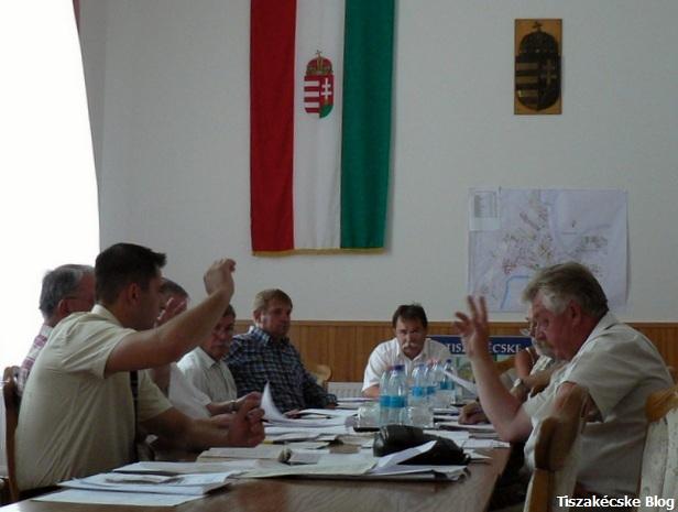 szavazas_csendrendeletmodositas20120628_tkblog.jpg