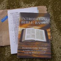 Bibliai segédlet (magyar nyelven is lehet kérni)