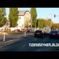 Autók a lezárt Hengermalom úton