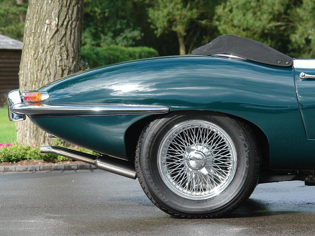 british_racing_green_jaguar.jpg
