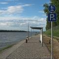Mikrokerékpárút az Árpád híd tövében