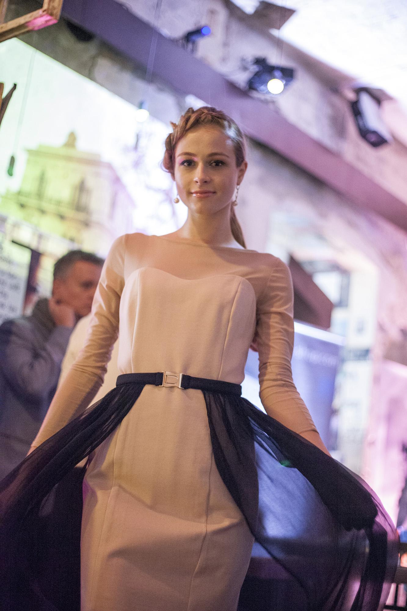A 9. Wedding Pop-Up Bazár divatbemutatóján a White Wedding Ruhaszalon, Natali Koval Dress Salon és a New Age luxus minőségű alkalmi ruhák - Fotó: HootPhoto