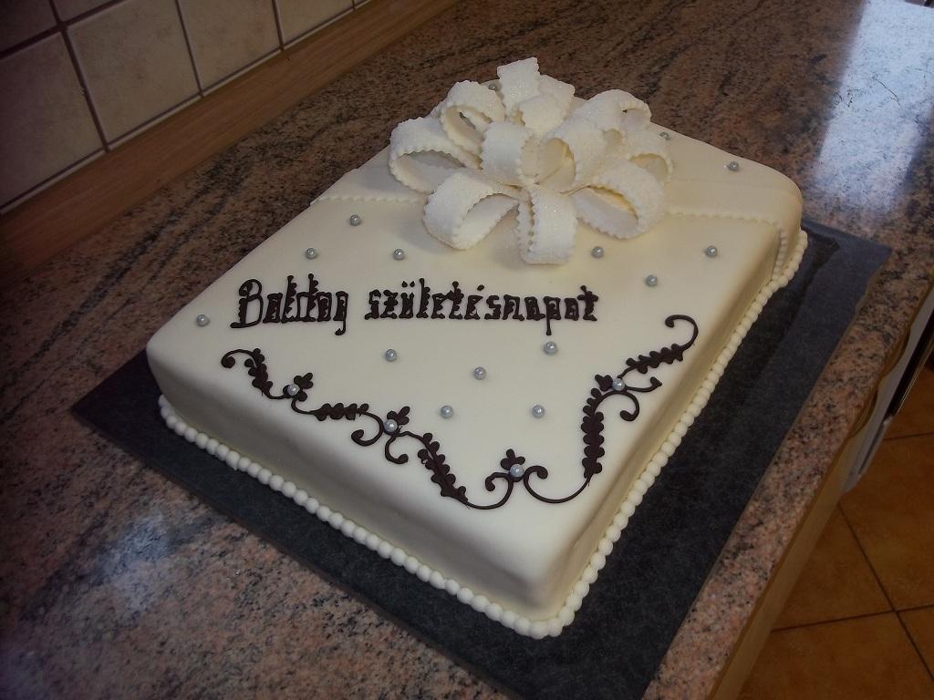 torták szülinapra képek Extra méretű szülinapi torta   Told a tortát torták szülinapra képek