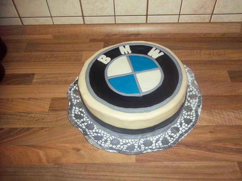 bmw torta képek BMW jel torta   Told a tortát bmw torta képek