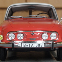 Bemutató: BoS Tatra 603 1:18