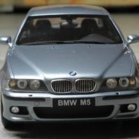 Bemutató: Otto Mobile BMW E39 M5 1:18