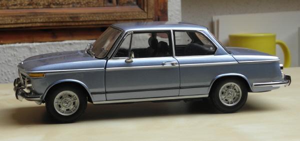 Kyosho BMW 2002 tii _ 05.JPG