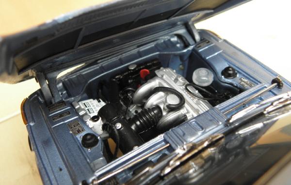 Kyosho BMW 2002 tii _ 15.JPG