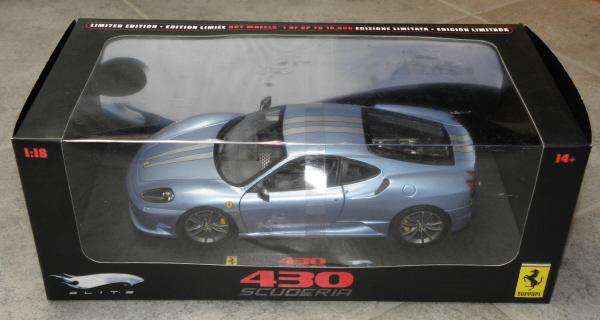 Hotwheels Elite Ferrari 430 Scuderia Blue 1-18 (1).JPG