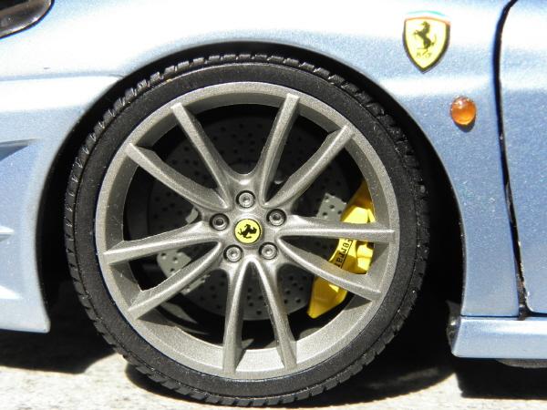 Hotwheels Elite Ferrari 430 Scuderia Blue 1-18 (11).JPG