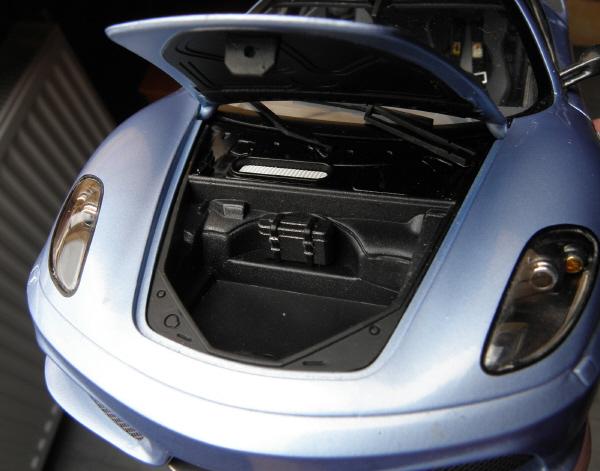 Hotwheels Elite Ferrari 430 Scuderia Blue 1-18 (14).JPG