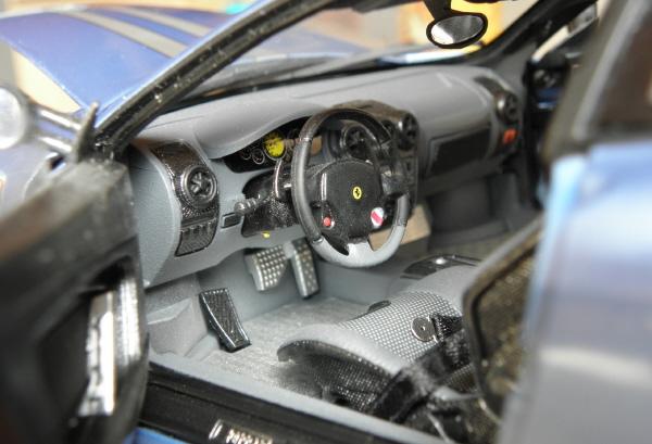 Hotwheels Elite Ferrari 430 Scuderia Blue 1-18 (17).JPG