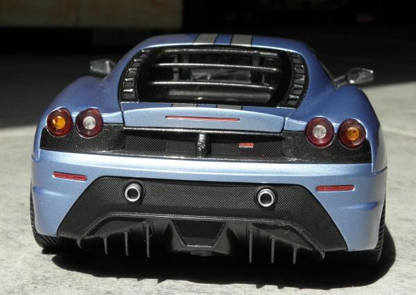 Hotwheels Elite Ferrari 430 Scuderia Blue 1-18 (7).JPG