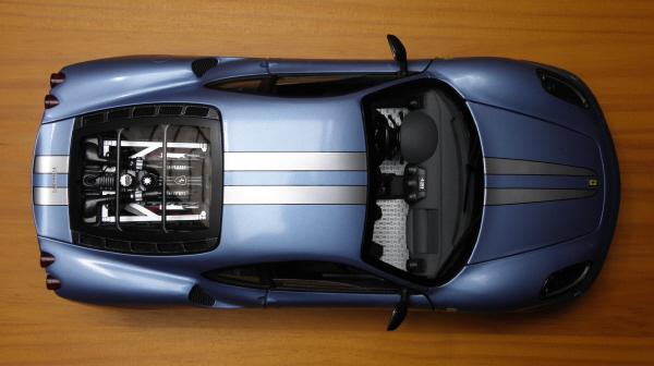 Hotwheels Elite Ferrari 430 Scuderia Blue 1-18 (8).JPG