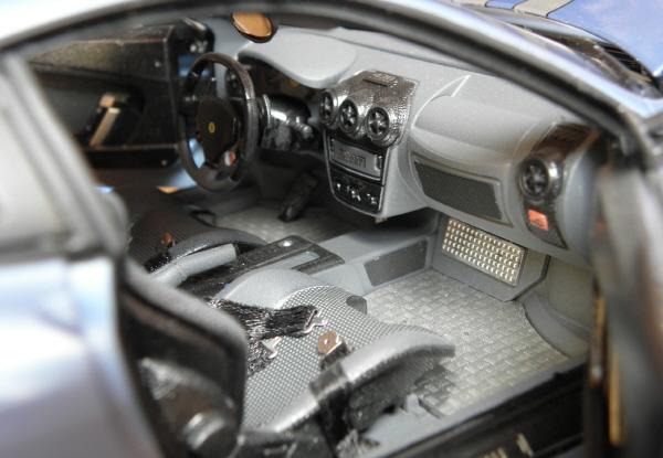 Hotwheels Elite Ferrari 430 Scuderia Blue 1-18.JPG