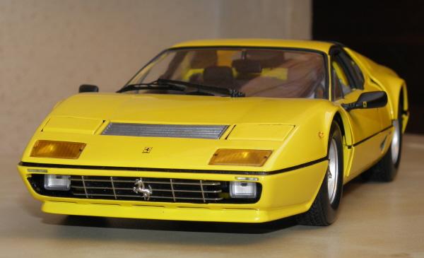 Ferrari 512 BBi Kyosho (2).JPG