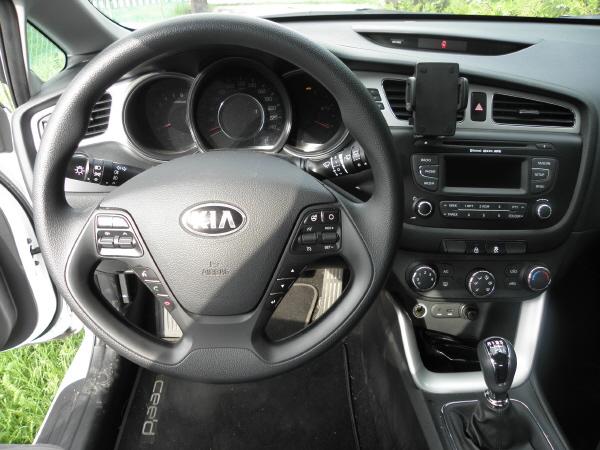 Kia C'eed kombi 1.4 CRDI (6).JPG