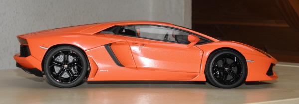 Autoart Lamborghini Aventador LP 700-4 1_18 orange (4).JPG