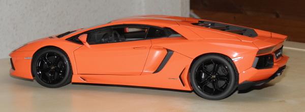 Autoart Lamborghini Aventador LP 700-4 1_18 orange (5).JPG