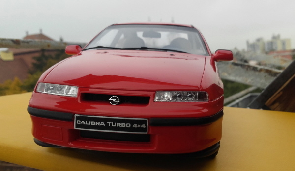 otto_mobile_opel_calibra_turbo_4x4_1_18_red_01.jpg