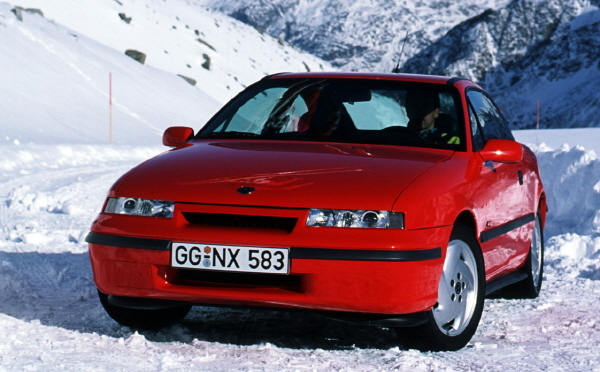 otto_mobile_opel_calibra_turbo_4x4_1_18_red_02.jpg