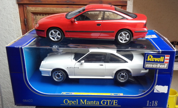 otto_mobile_opel_calibra_turbo_4x4_1_18_red_03.jpg