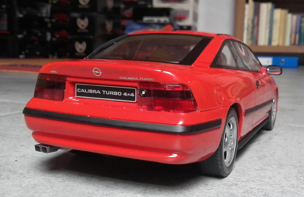 otto_mobile_opel_calibra_turbo_4x4_1_18_red_10.jpg