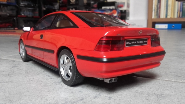 otto_mobile_opel_calibra_turbo_4x4_1_18_red_12.jpg