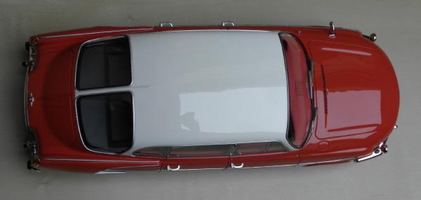 BoS Tatra 603 1-18 red-white (1).JPG