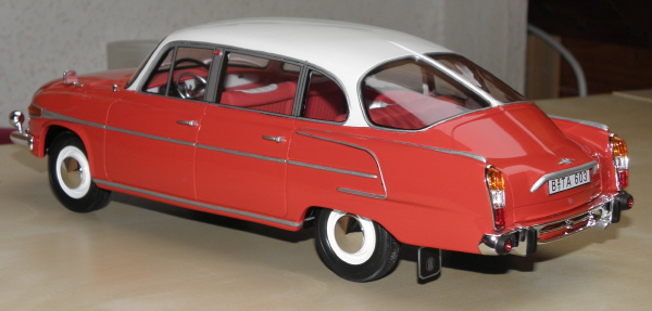 BoS Tatra 603 1-18 red-white (19).JPG