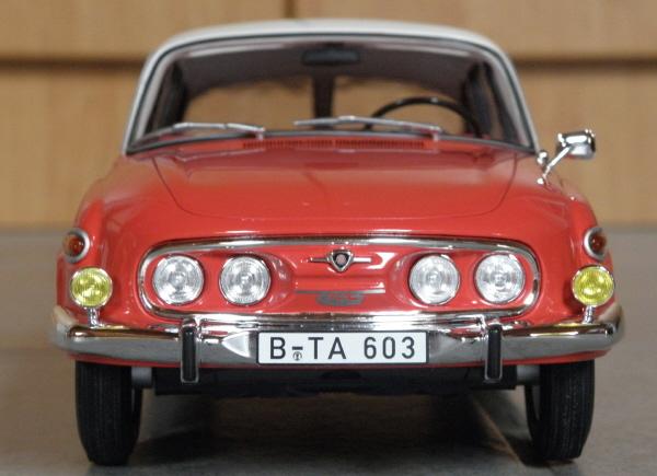 BoS Tatra 603 1-18 red-white (7).JPG