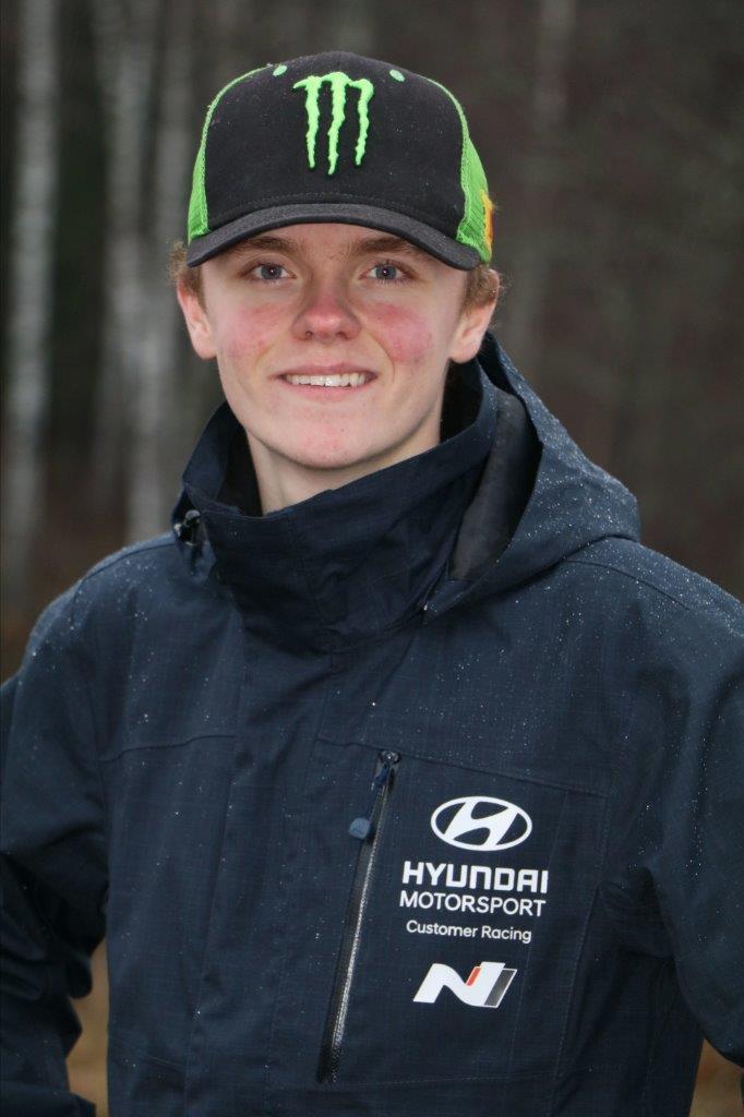 Oliver Solberg a Hyundai-nál rallyzik