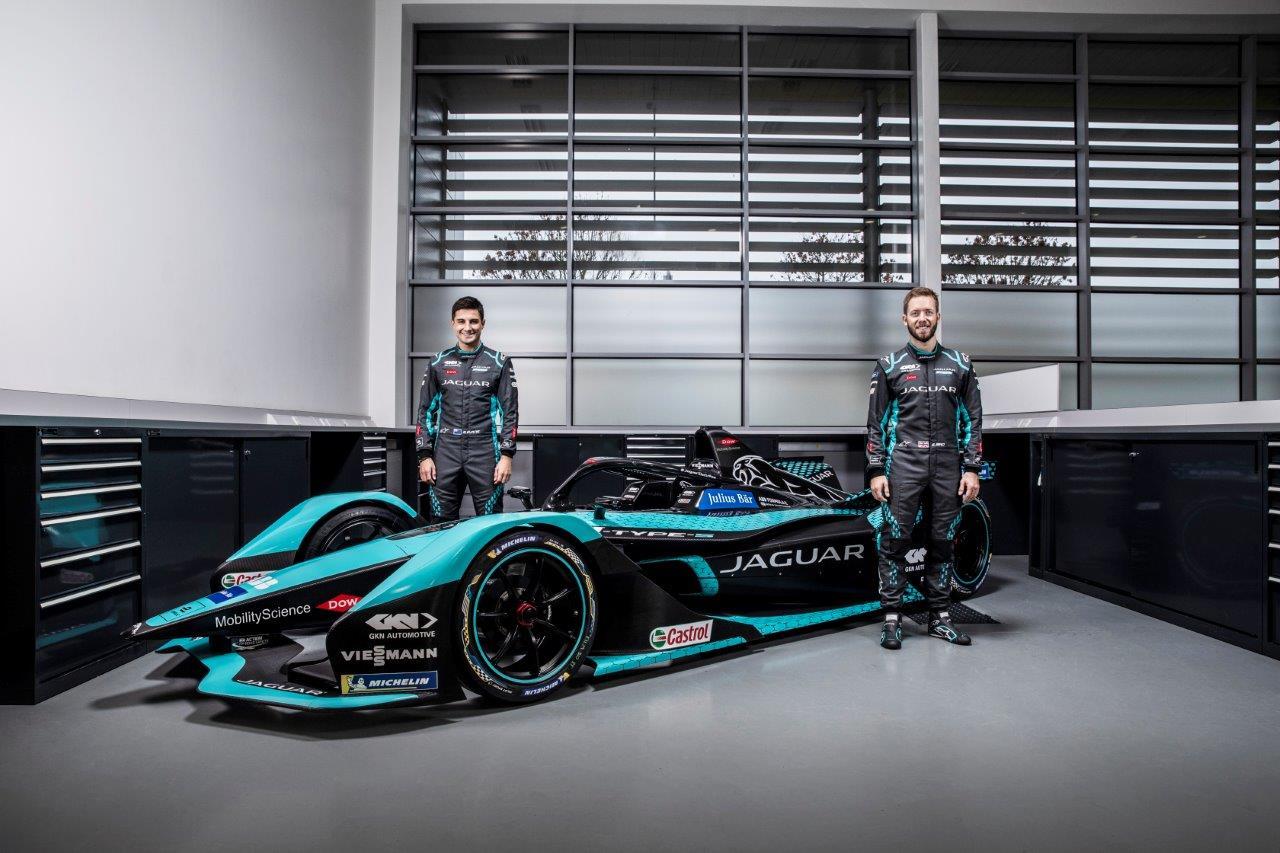 A Jaguar Racing felfedte vadonatúj elektromos versenyautóját