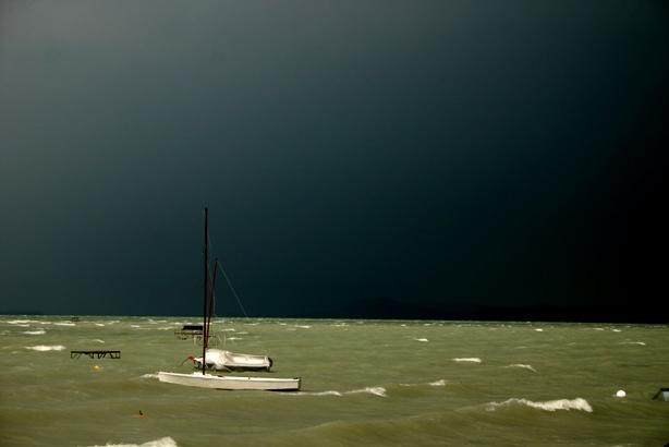 Balatoni vihar - TOMPA