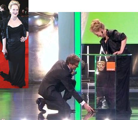 Meryl Streep elhagyja a cipőjét a BAFTA díjátadón