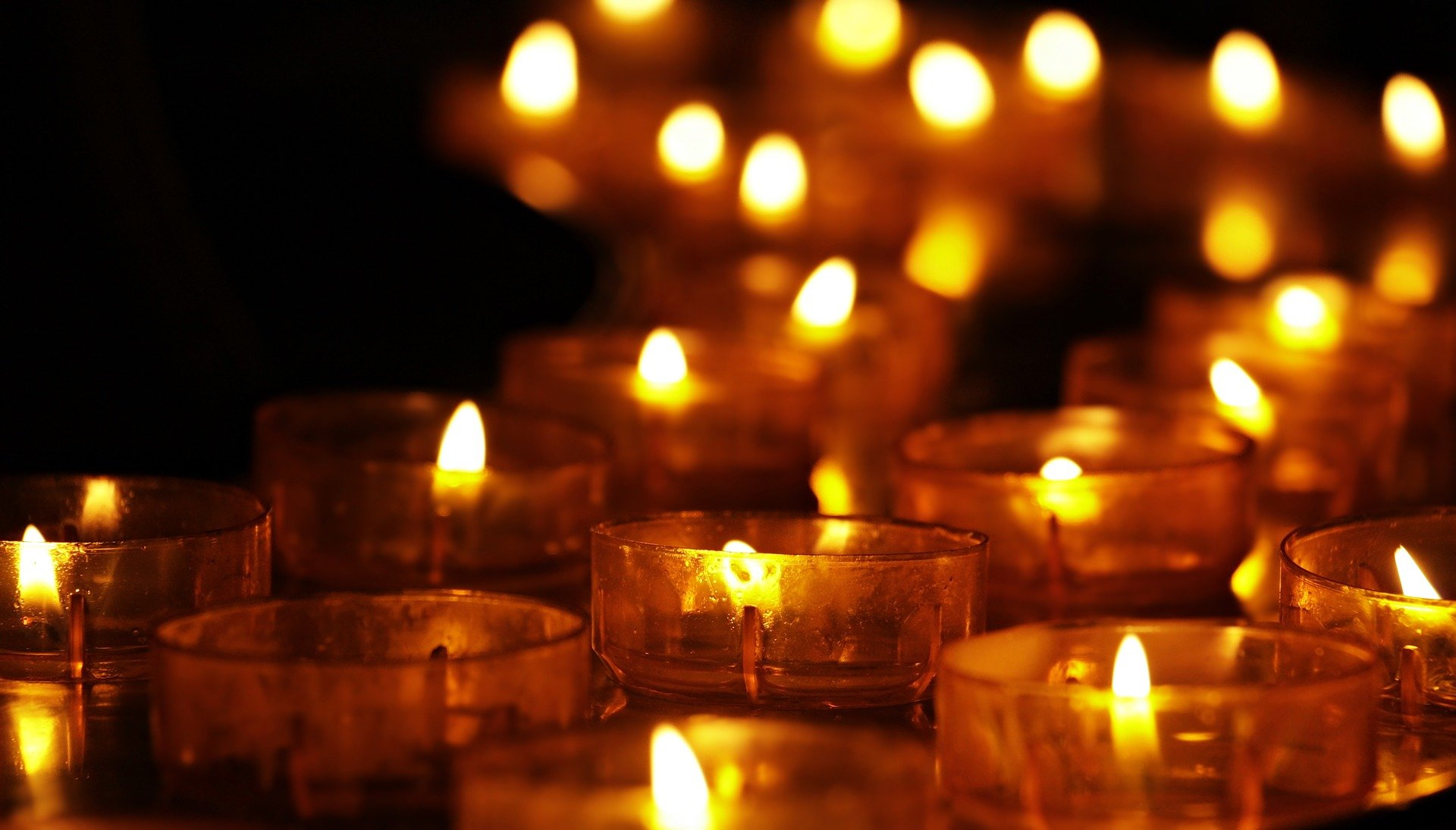tea-lights-3612508_1920.jpg